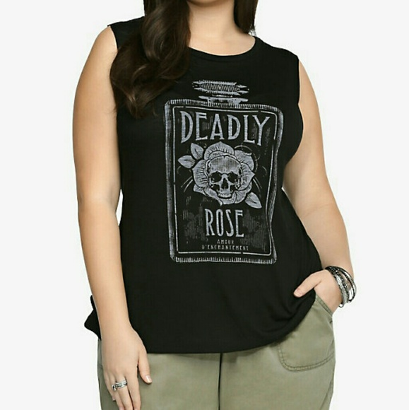 3426f5819d506 Torrid  Deadly Rose  Tank Top. M 5a9c3bfeb7f72b8a4a2aa5df